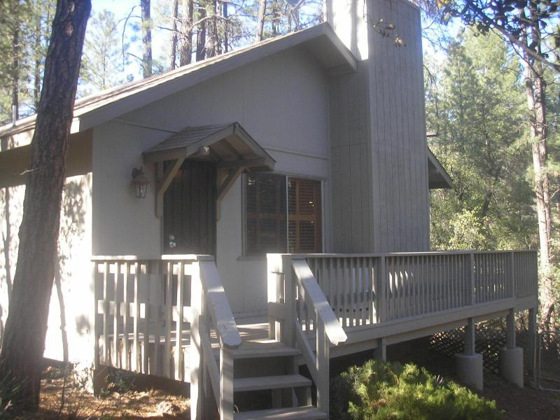 No Worries...The Cool Pine/Strawberry Getaway, vacation rental in Pine