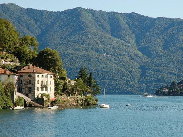 Spacious apartment located directly on Lake Como, alquiler vacacional en Nesso