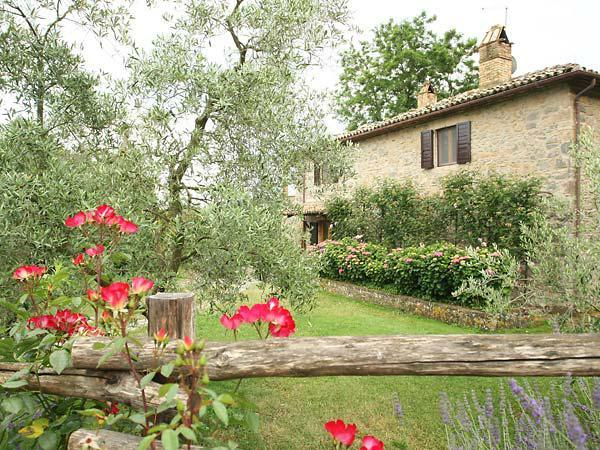 Relax and history in our charming villa in Umbria, casa vacanza a Castel Giorgio