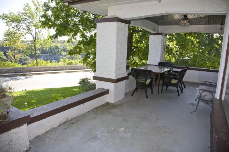 Vast Front Porch