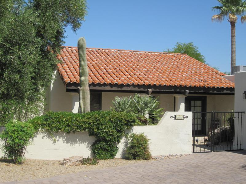2 Bedroom Casita in a golf resort in Carefree, AZ, Ferienwohnung in Carefree