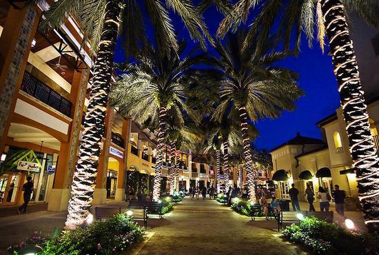 2/2 Courtyards in Cityplace, aluguéis de temporada em West Palm Beach