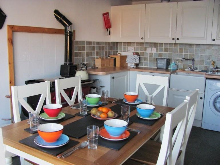 More of the kitchen diner