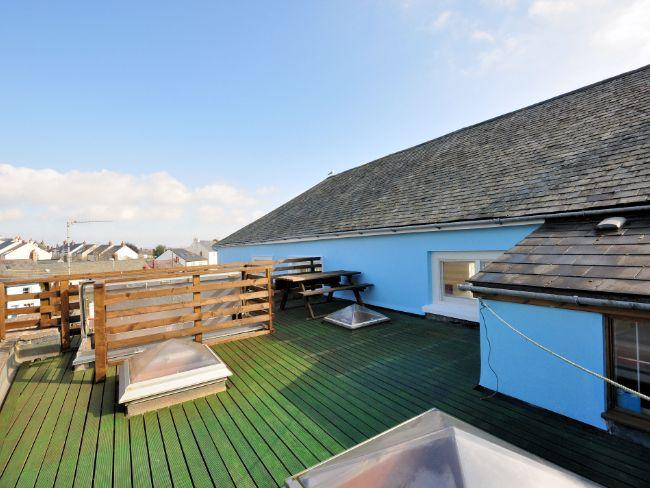 Roof terrace with seating perfect for evenings