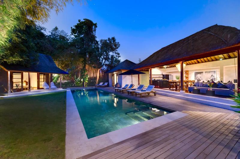 Villa Sacha by night