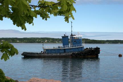 Tugboat on Passamaquoddy Bay © 2011 OSP