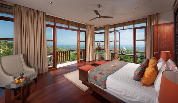 Dormitorio 1 por encima del área de cocina - vistas al mar
