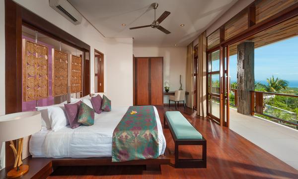 2 dormitorios sobre el salón en el compuesto medio