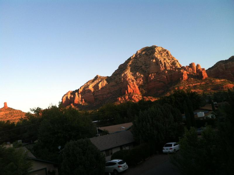 Wonderful Cabin in West Sedona! Great views from the front deck and out the front windows