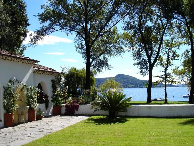 Lakeside cottage 'Casa Eva' to let at Lesa Lake Maggiore Italy
