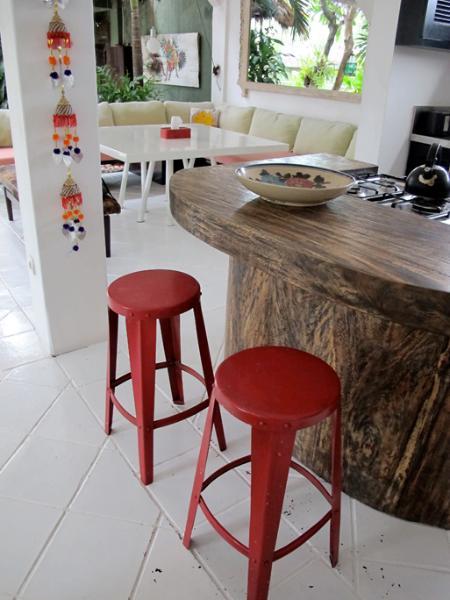 Kitchen island bench
