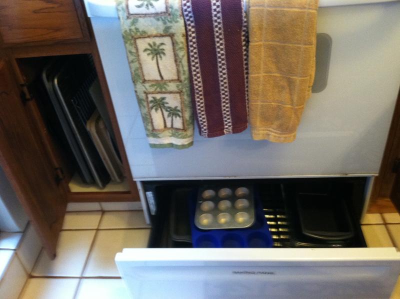 Lots of Baking pans, cookie sheets, etc.  Bundt pan, angel food cake pan too!