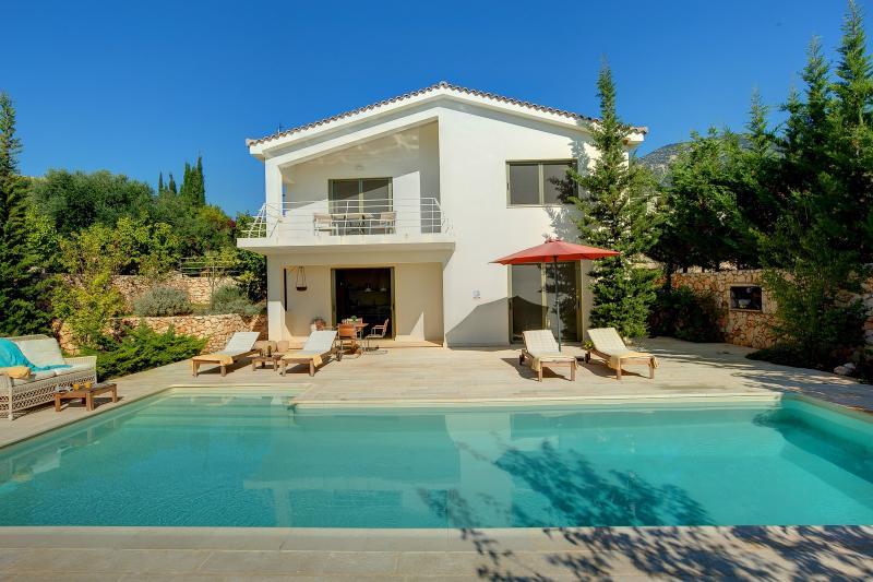 Ideales Resort villa Ippocampos, aluguéis de temporada em Trapezaki