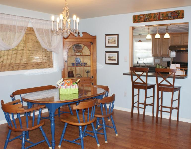 Comfy Townhome nearby Dutch Wonderland & Outlets, holiday rental in Ronks