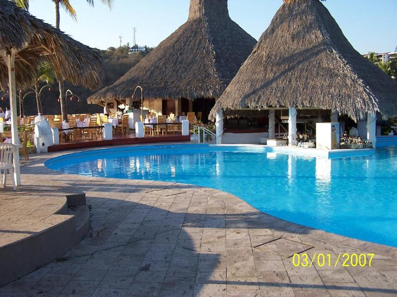 En av 3 pooler vid Vida Del Mar. Ligger högt på punkten med utsikt över havet.