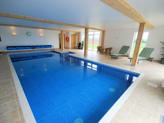 Shared leisure pool
