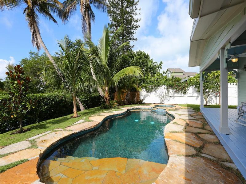 Zout water verwarmd zwembad plus spa