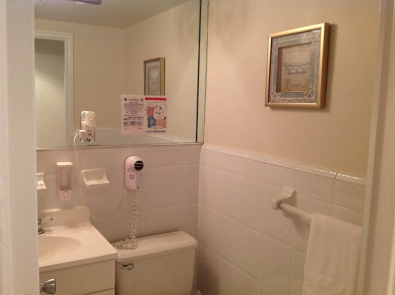 Complete Bathroom with Tube and Shower
