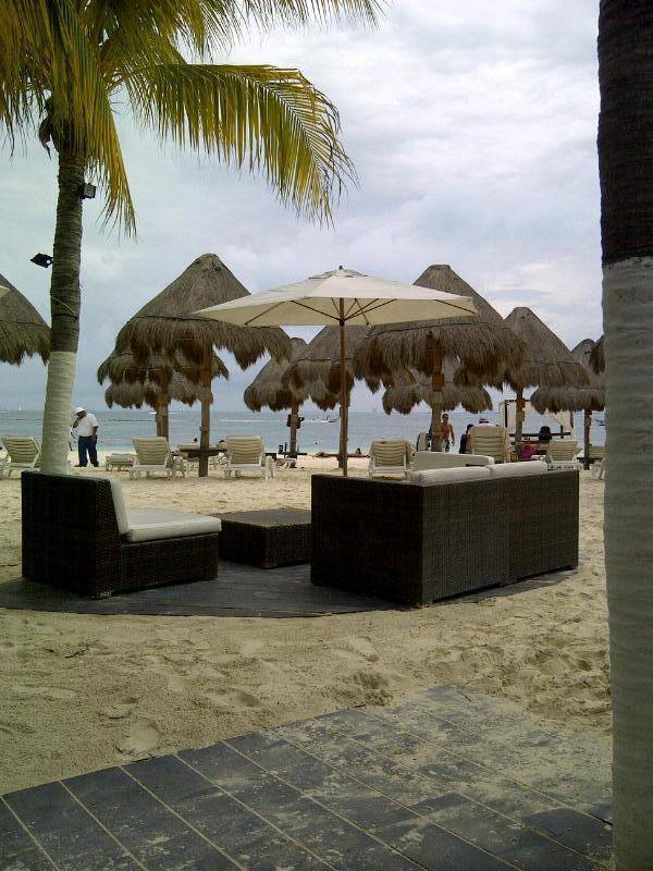 Around the island - North Beach