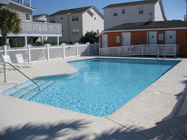 Pool has restrooms