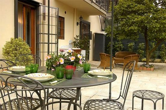 Garden area with outdoor seating