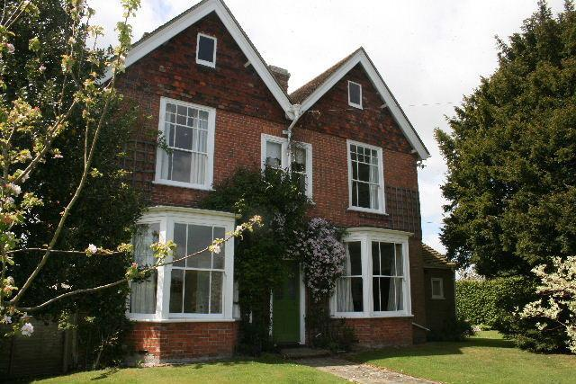 Elegant Victorian house, sleeps 11, tennis court, holiday rental in Stone in Oxney