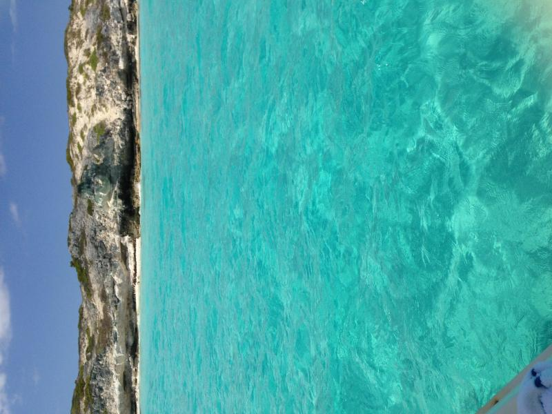 YES THE WATER CAN BE THIS COLOUR........No Photoshop required
