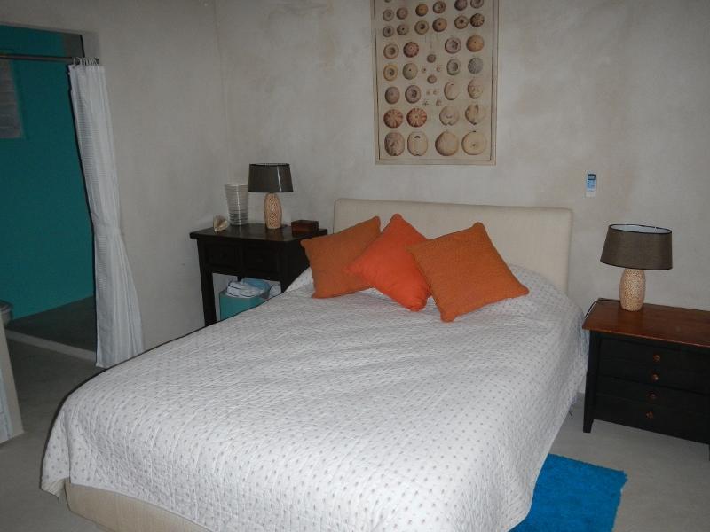 2 º dormitorio con baño en suite