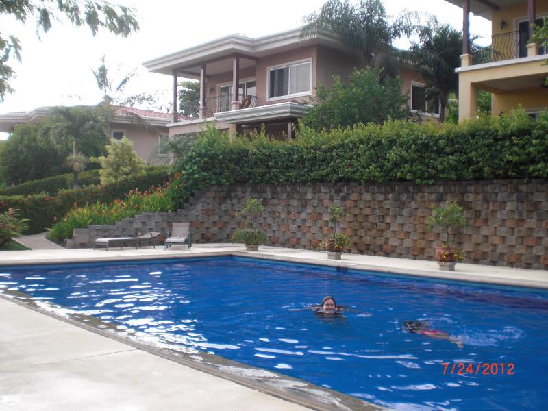 piscina de agua salada 24x48 3-6 pies.