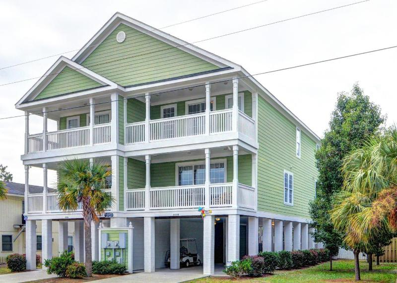 Tiki Time - Surfside Beach Luxury! Steps to Beach, Private Heatable Pool, Golf Cart Available