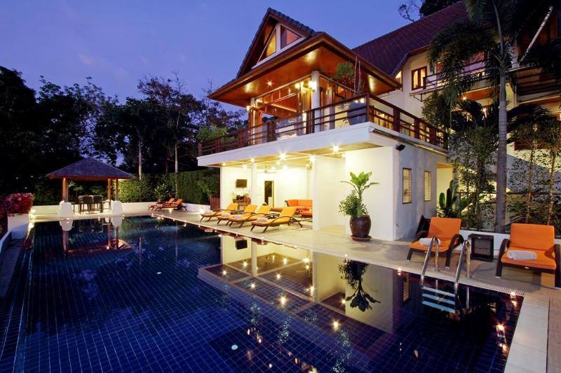pool villa in patong beach phuket with sea views fitness room fully staffed, holiday rental in Patong
