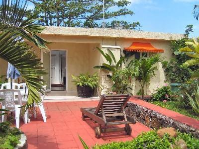 Bungalow Rhys: Holiday Home Mauritius, holiday rental in Grand Port District