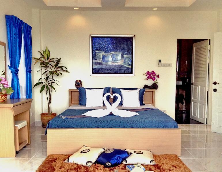 Master Bedroom A1