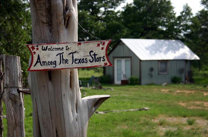 Among the Texas Stars-romantic getaway., vacation rental in Fredericksburg