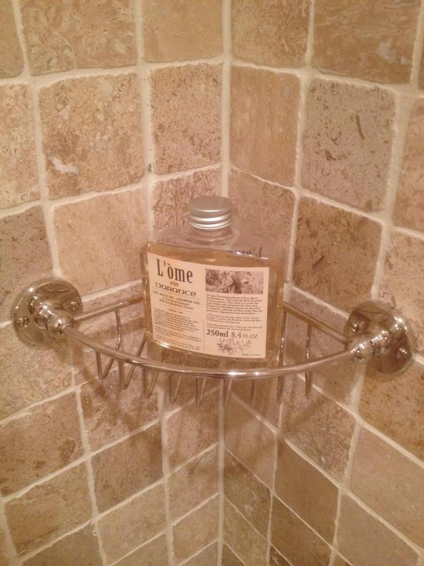 free use of shower gel