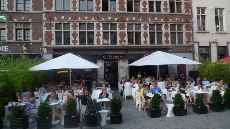 lovely restaurants around