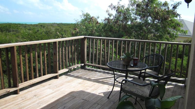 225 sq ft deck w/panoramic view