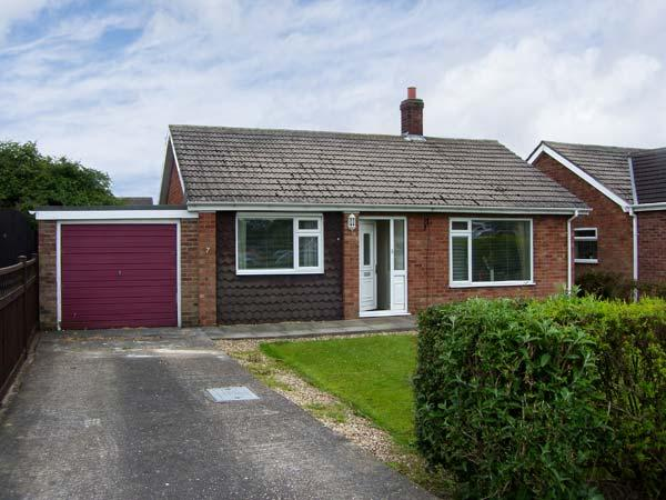 SUNNYSIDE COTTAGE open fire, pet friendly, near to coast in Hogsthorpe Ref 17833, casa vacanza a Helsey