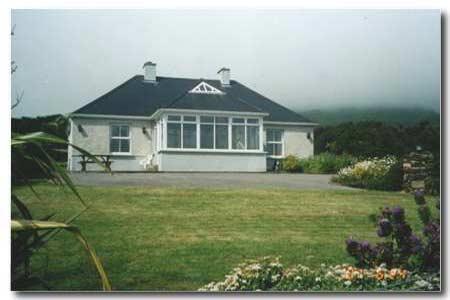 Garveys Holiday Cottage, holiday rental in Dunquin