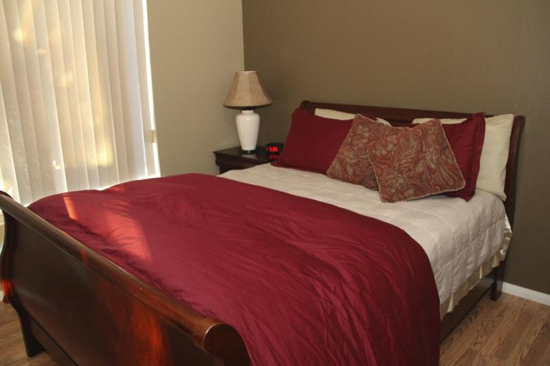 3rd Bedroom/Queen Size Bed