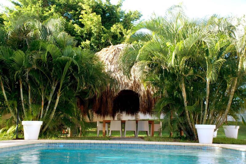 Villa tropicale avec piscine privée dans le grand jardin tropical clos (2200m 2) profiter d'une intimité totale