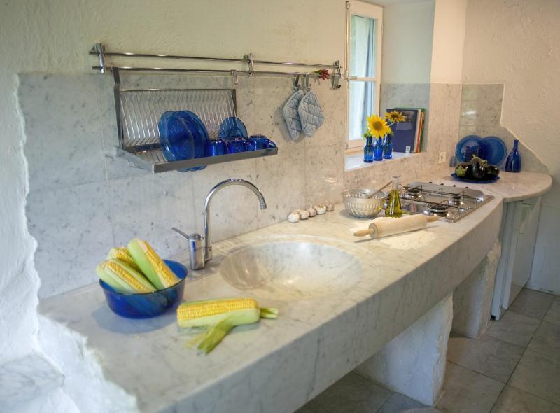Countryhouse Villa La Rogaia Umbria: Apartment La Pipo:: Kitchen