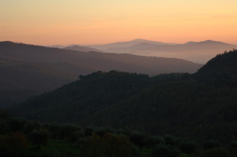 Panoramic sunset at Countryhouse Villa La Rogaia: