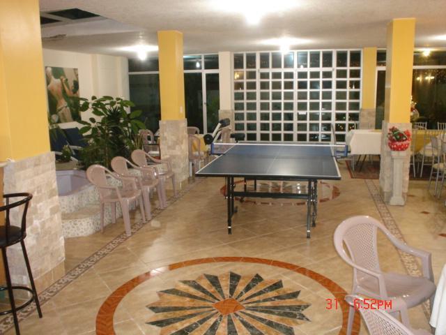 APT. AMOBLADO NORTE DE QUITO CERCA CONDADO MALL, alquiler de vacaciones en Provincia de Pichincha