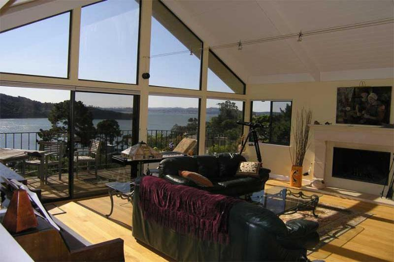 Stunning San Francisco Bay Views from Every Room!, holiday rental in Marin County