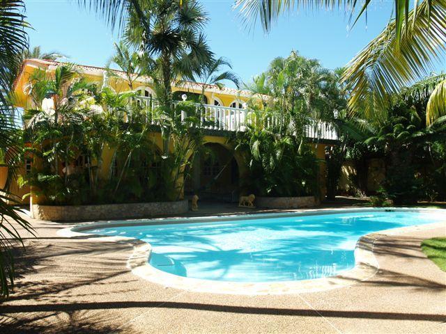 Villa Amarilla Playa el Agua Isla Margarita, großzügiger kinderfreundlicher Pool