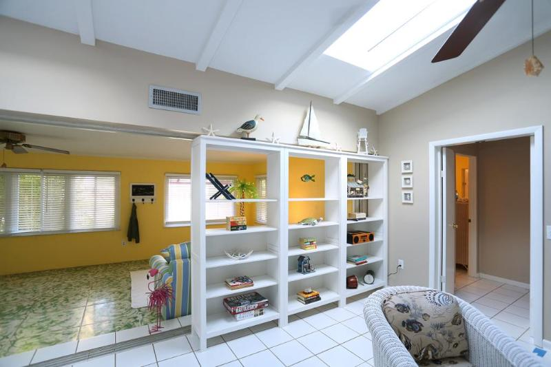 Three large skylights bring in ample Florida sunlight.