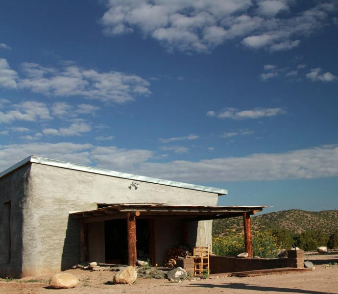 Chimayo Studio w/Private Hot Tub!, alquiler vacacional en Espanola