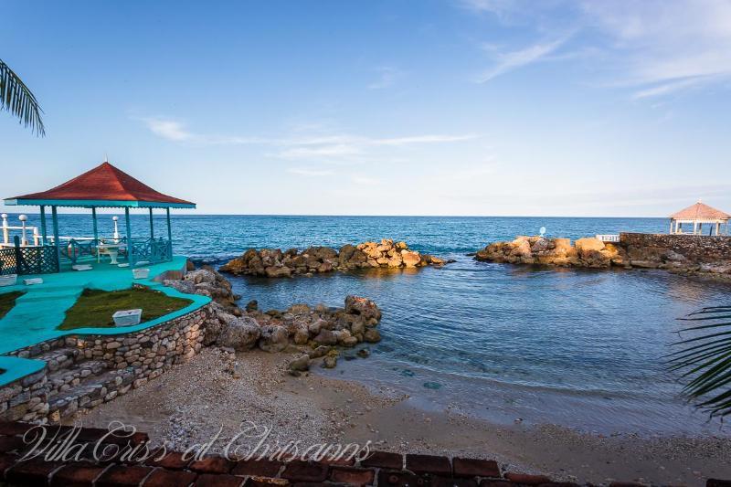 chrisanns beach and gazebo