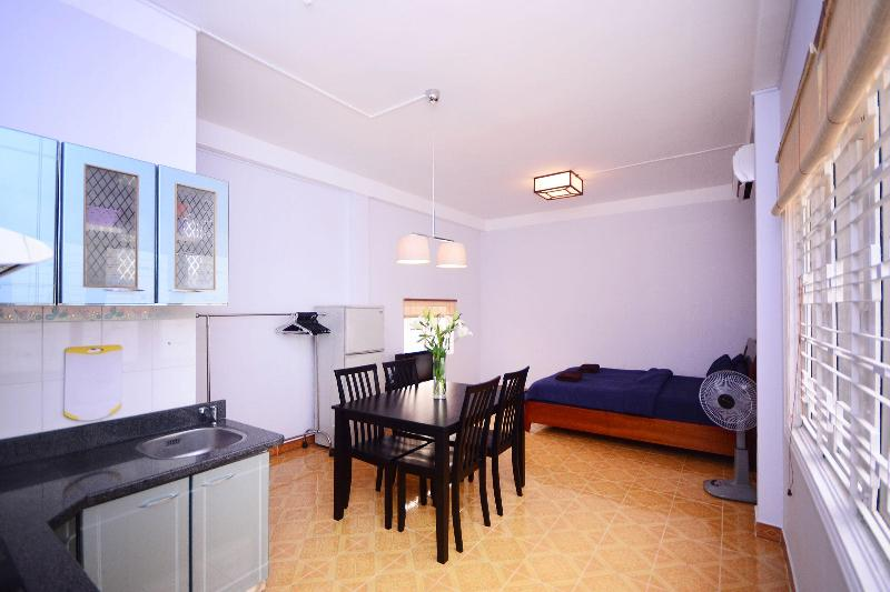 A bright and spacious open plan studio apartment